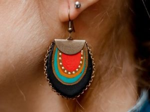Earrings with chain