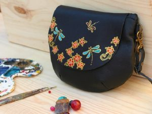 Small round bag with Dragonflies