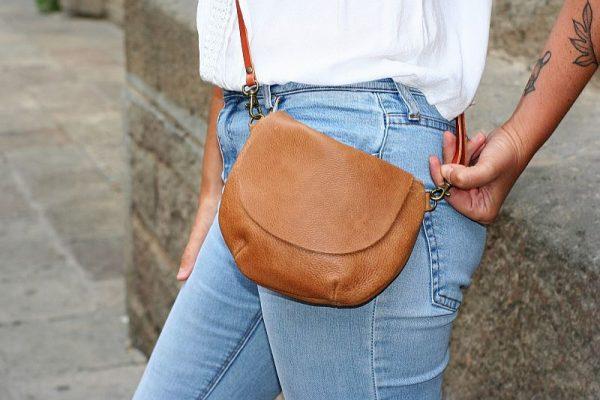 tan round bag