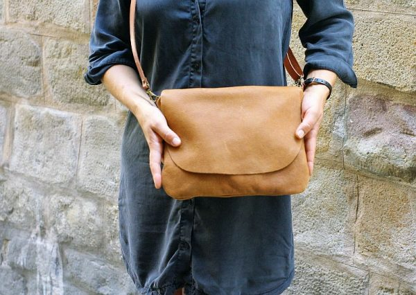 tan color bag